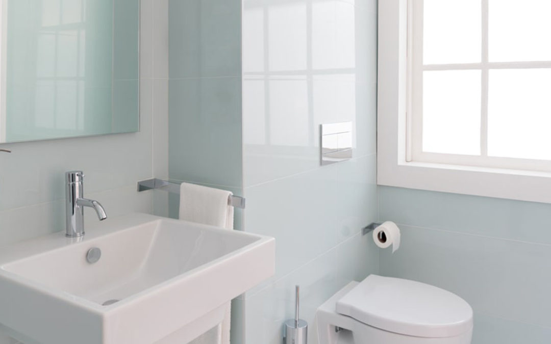 Descubre las claves para reformar un baño pequeño